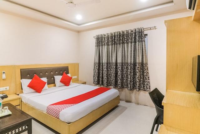 OYO 65127 Hotel Simran Inn Deluxe