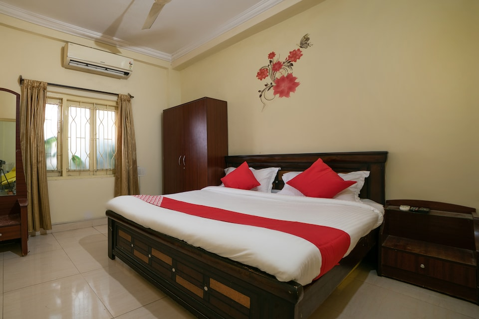 OYO 65225 Th Guest House