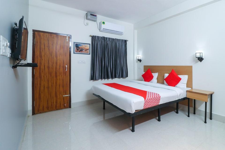 OYO 65238 Hotel Crystal Stay