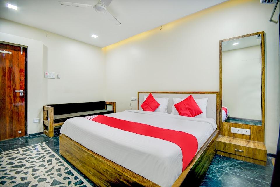 OYO 65239 Anandraj Palace