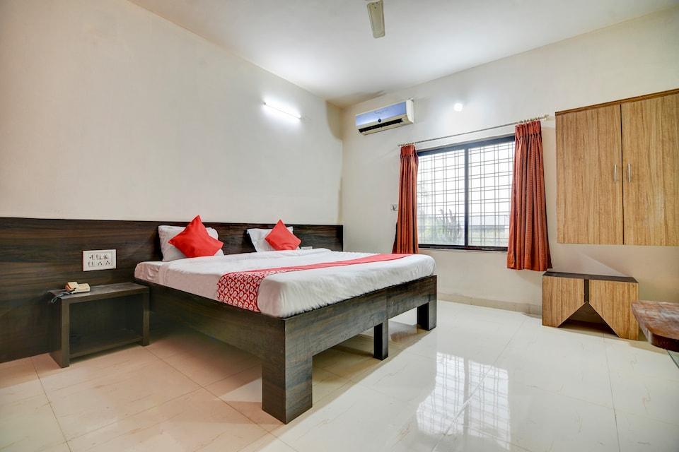 OYO 65247 Hotel Akshay Garden