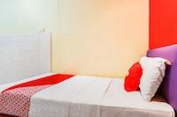 OYO 89615 T Family Hotel