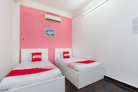 OYO 558 Hoang Linh Hotel