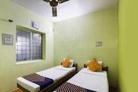 SPOT ON 65366 Hotel Gurukrupa SPOT