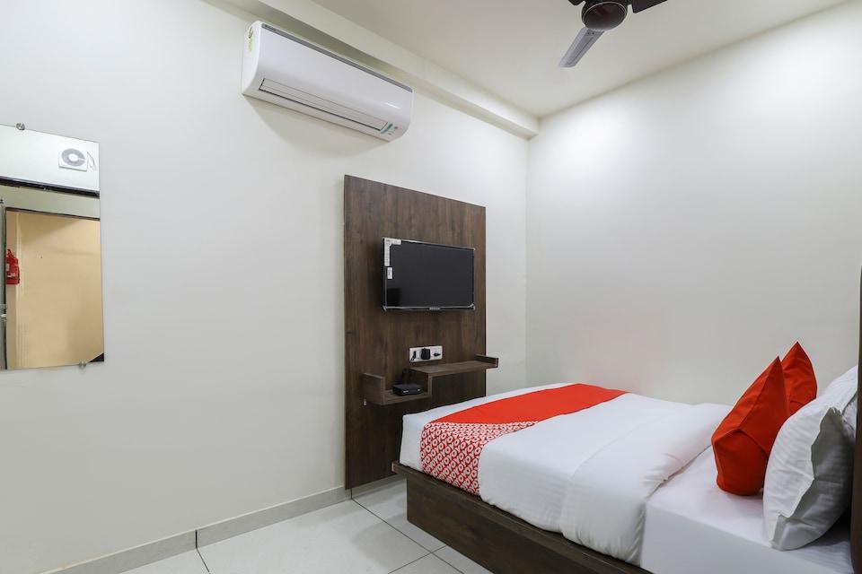 OYO 65383 Hotel Season , Ahmedabad Airport, Ahmedabad