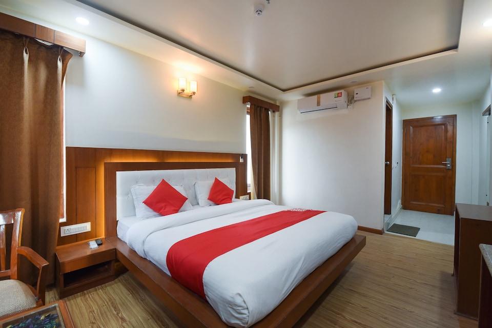 OYO 65400 Hotel Ashivan Basera