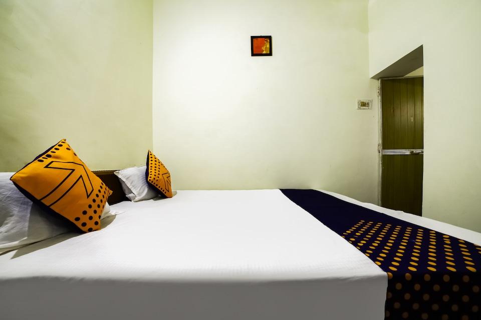 SPOT ON 65453 Yadav Lodge