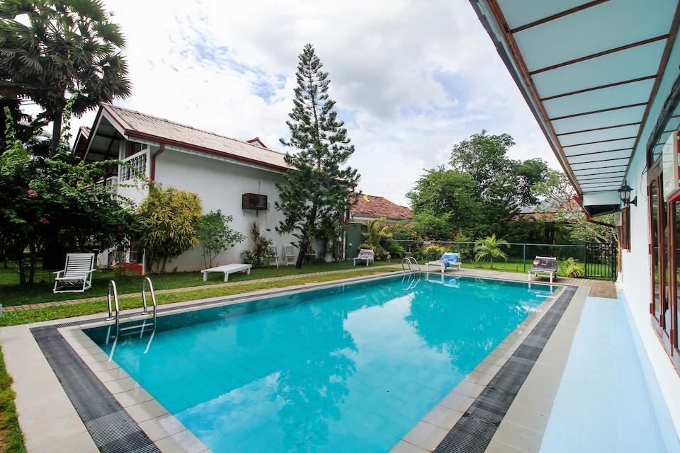 OYO 467 Lioni Holidays Villa