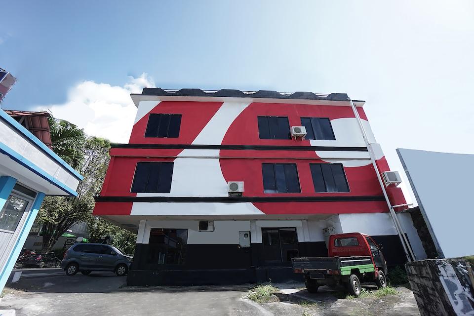 OYO 2217 Galaxy Hotel, Sario, Manado