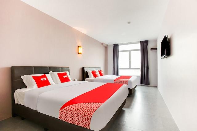 OYO 89631 988 Hotel