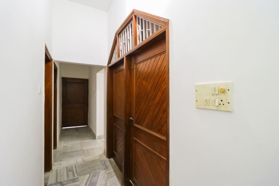 OYO 65521 Hotel Prashansha Palace