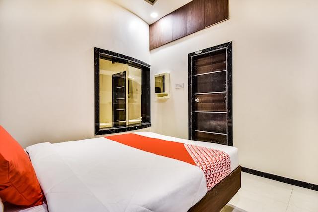 OYO 65534 Hotel Nisarg Deluxe