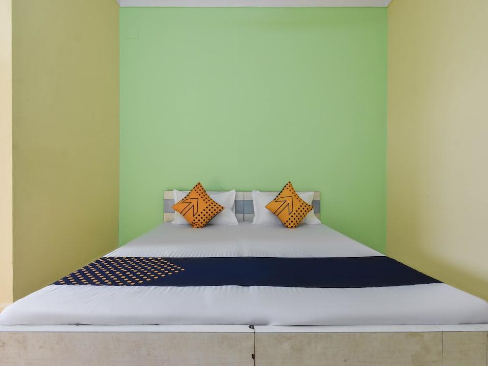 SPOT ON 65623 Hotel Yashoda Lodge