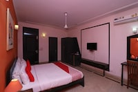OYO 65641 Hotel Gumber  Saver