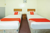OYO 89638 Hotel Mandarin Inn