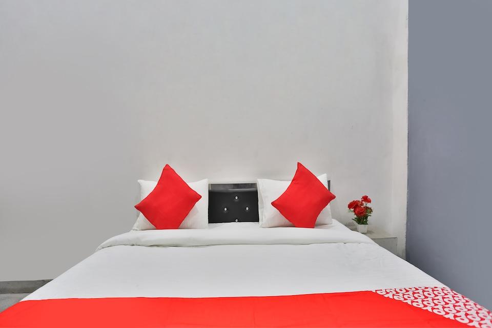 OYO 65771 Khushi Residency