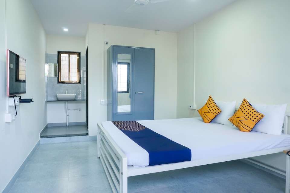 SPOT ON 65781 Hotel Sai Residency Lodging