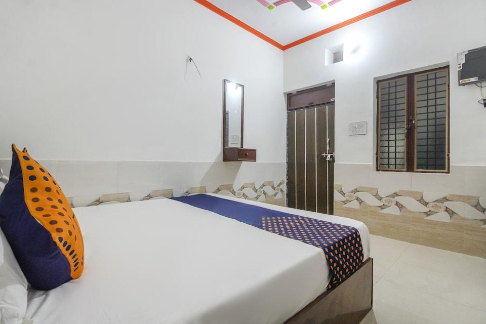 SPOT ON 65785 Hotel Krishna Palace
