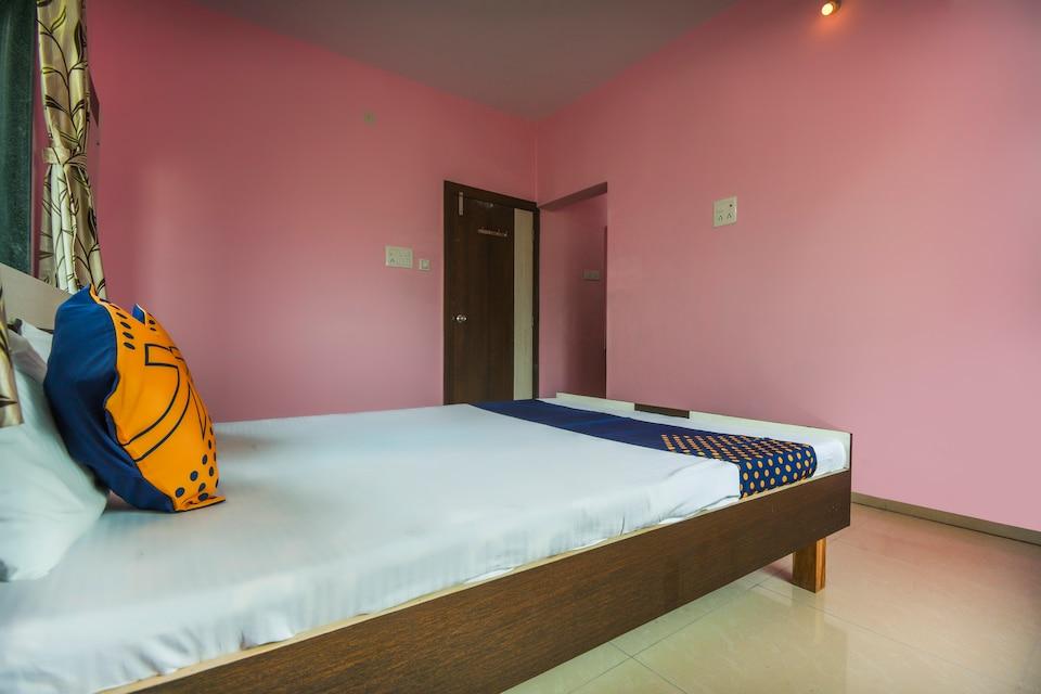 SPOT ON 65854 Hotel Lenyadri International