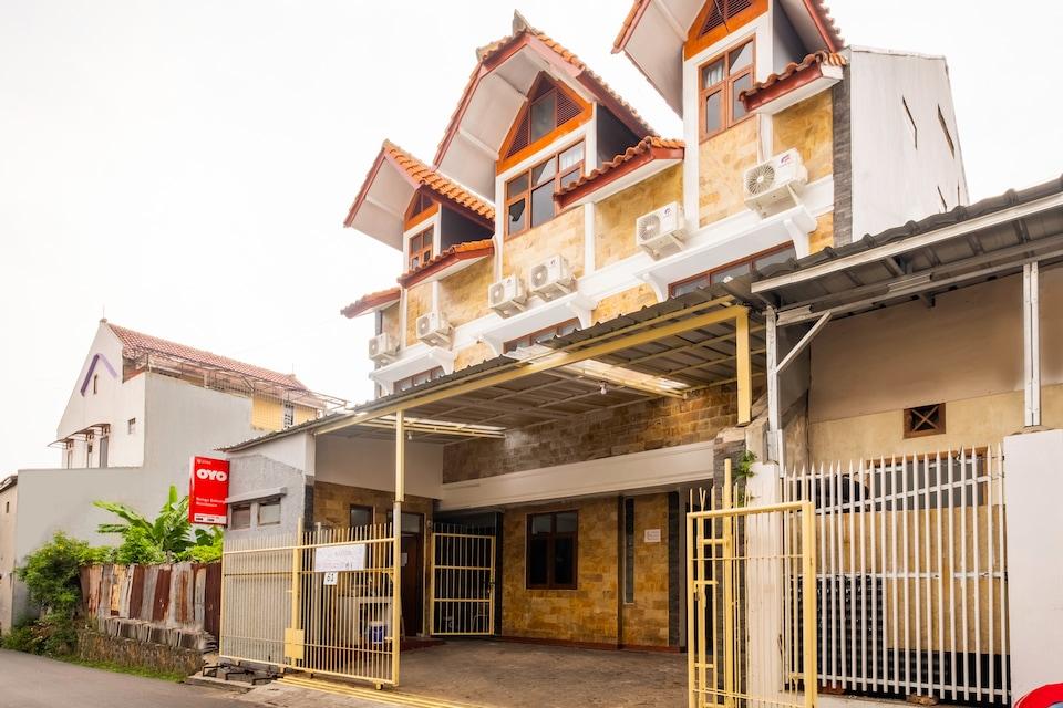 OYO 2265 Bunga Bakung Residence