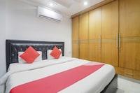 OYO 65865 Taj Suites Suite