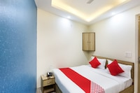 OYO 65893 Hotel Sunshine