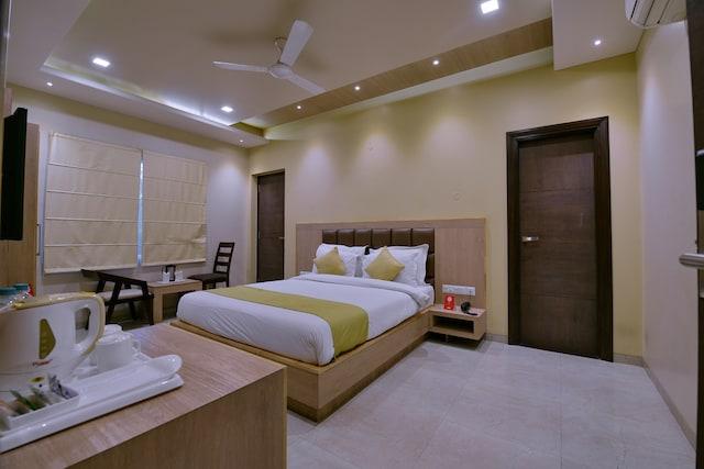 OYO 5372 Hotel Silver Pride
