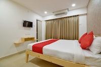 OYO 65901 Hotel Niraj Inn