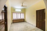 OYO 65902 New Divine Guest House