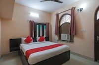 OYO 65902 New Divine Guest House Saver