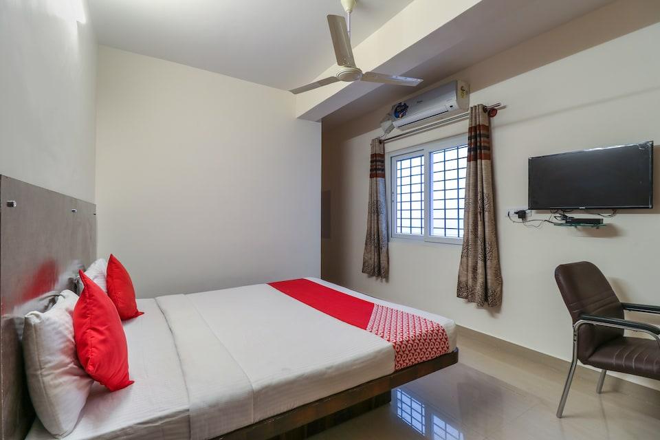 OYO 65927 Balaji Grand Inn