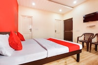 OYO 65941 Chandra Guest House  Deluxe