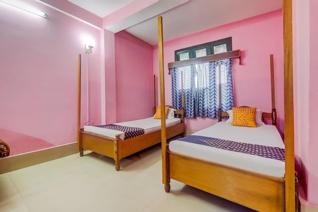SPOT ON 66011 Hotel Aagaam