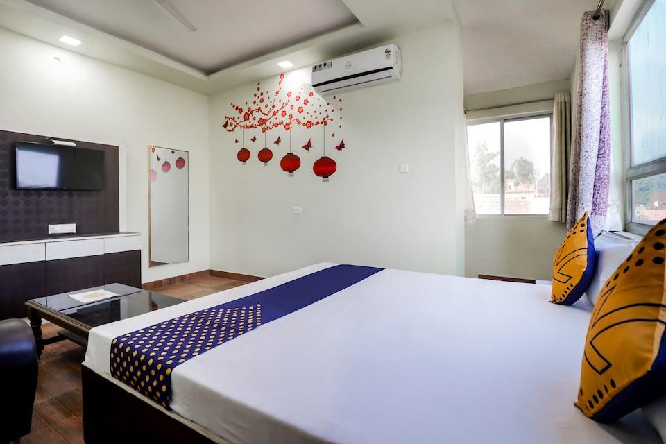 SPOT ON 66025 Hotel Kamla Palace