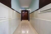Capital O 66106 Hotel Samrat Kaushambhi Deluxe