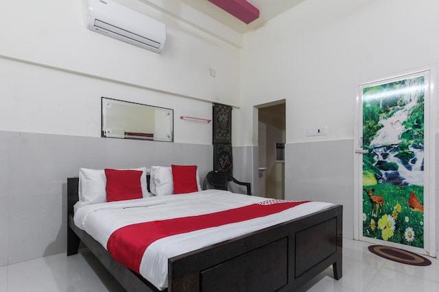 OYO 66135 Sivaram Beach House Deluxe