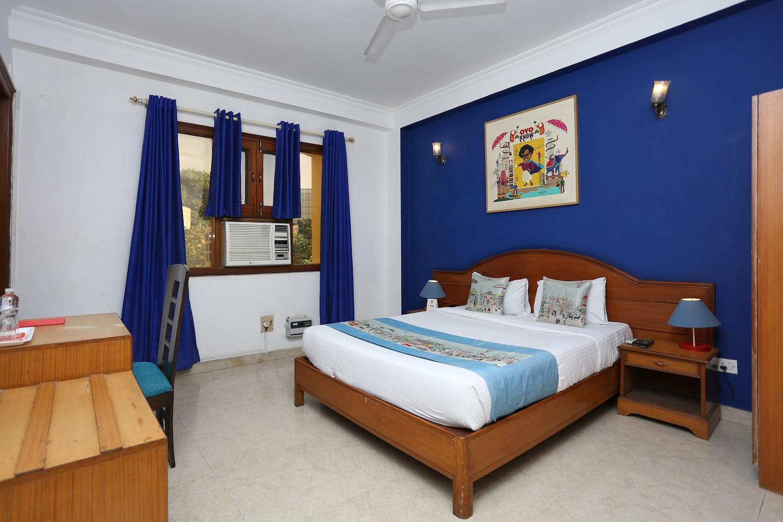 OYO Flagship 533 Near Guru Dronacharya Room-1