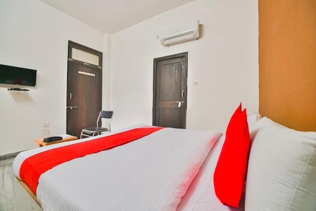 OYO 66161 Hotel J.d Residency