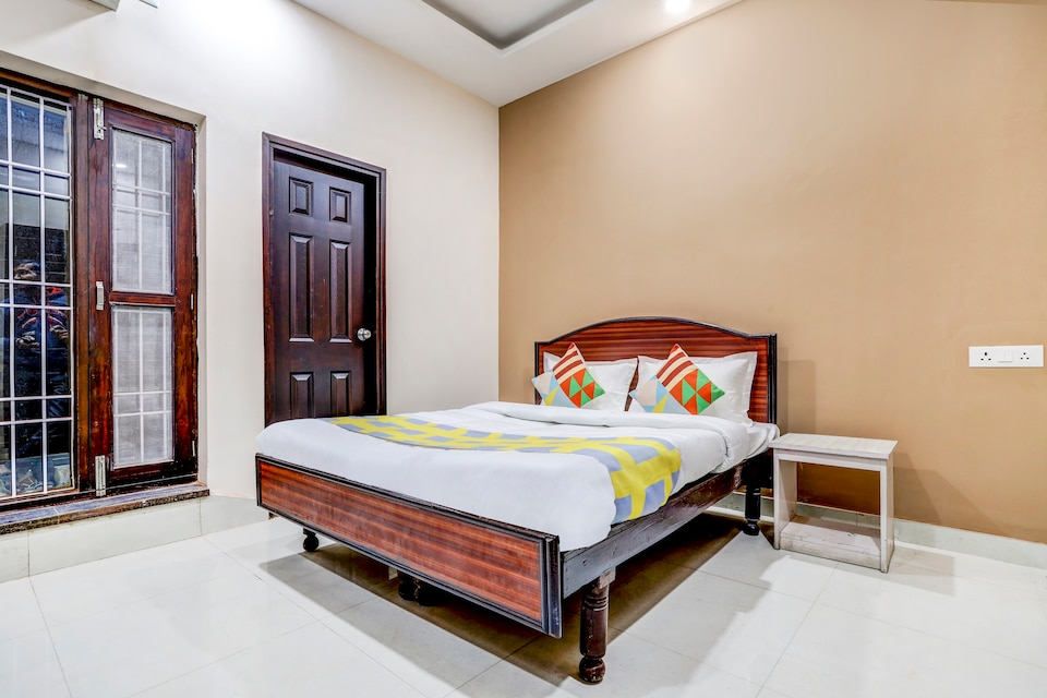 OYO Home 66208 Classical 2BHK Apartment Dehradun