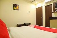 OYO 5408 Loharkar's Family Hotel