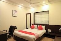 OYO 5408 Loharkar's Family Hotel Deluxe