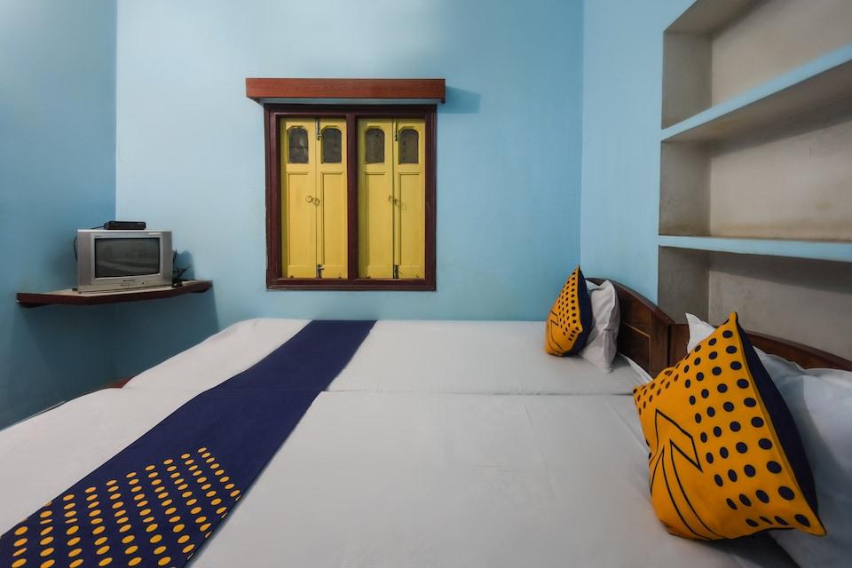 SPOT ON 66241 Deshbandhu Lodge
