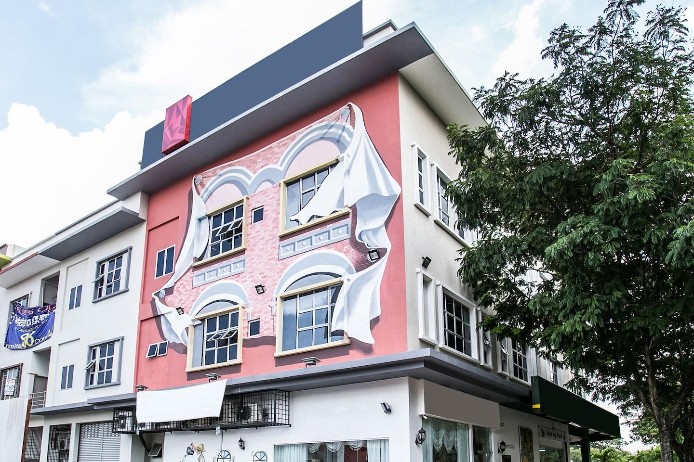 OYO 166 Hotel De Art 2 Facade 1