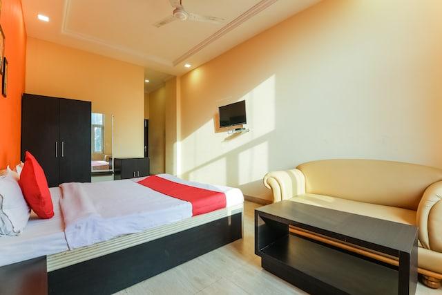 OYO 66267 Vinayak Resort Bahraich Deluxe
