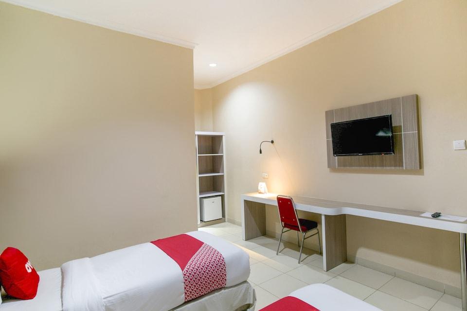OYO 2320 Hotel Charvita