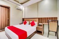 OYO 66323 Hotel A.k. Residency House