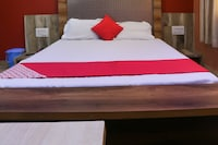 OYO 66335 Hotel Manthan Deluxe