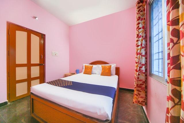 SPOT ON 66372 Sri Murugan Lodge SPOT