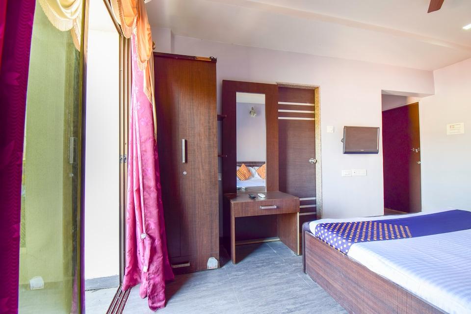 SPOT ON 66385 Hotel Malshej Executive