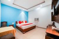 OYO 66386 Sandhu Hotel & Restaurant
